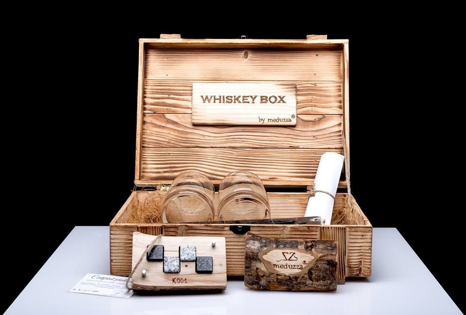 Whiskey box